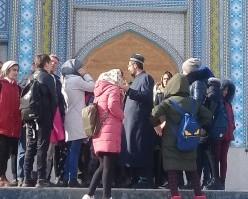 Ташрифи як гурўҳ хонандагон аз шаҳри Хоруғи ВМКБ ба масҷиди ҷомеи марказии шаҳри Душанбе
